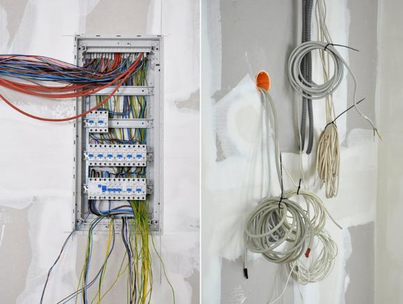 Tableau électrique et nombreux branchements